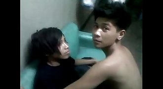 pinoy teenager emo kiss (sexy, i promise)