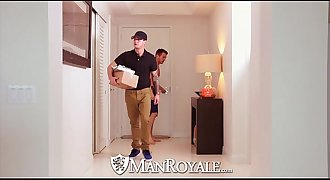 HD - ManRoyale New fuck toy is tested by the delivery man